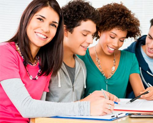 Групповые занятия на курсах испанского языка